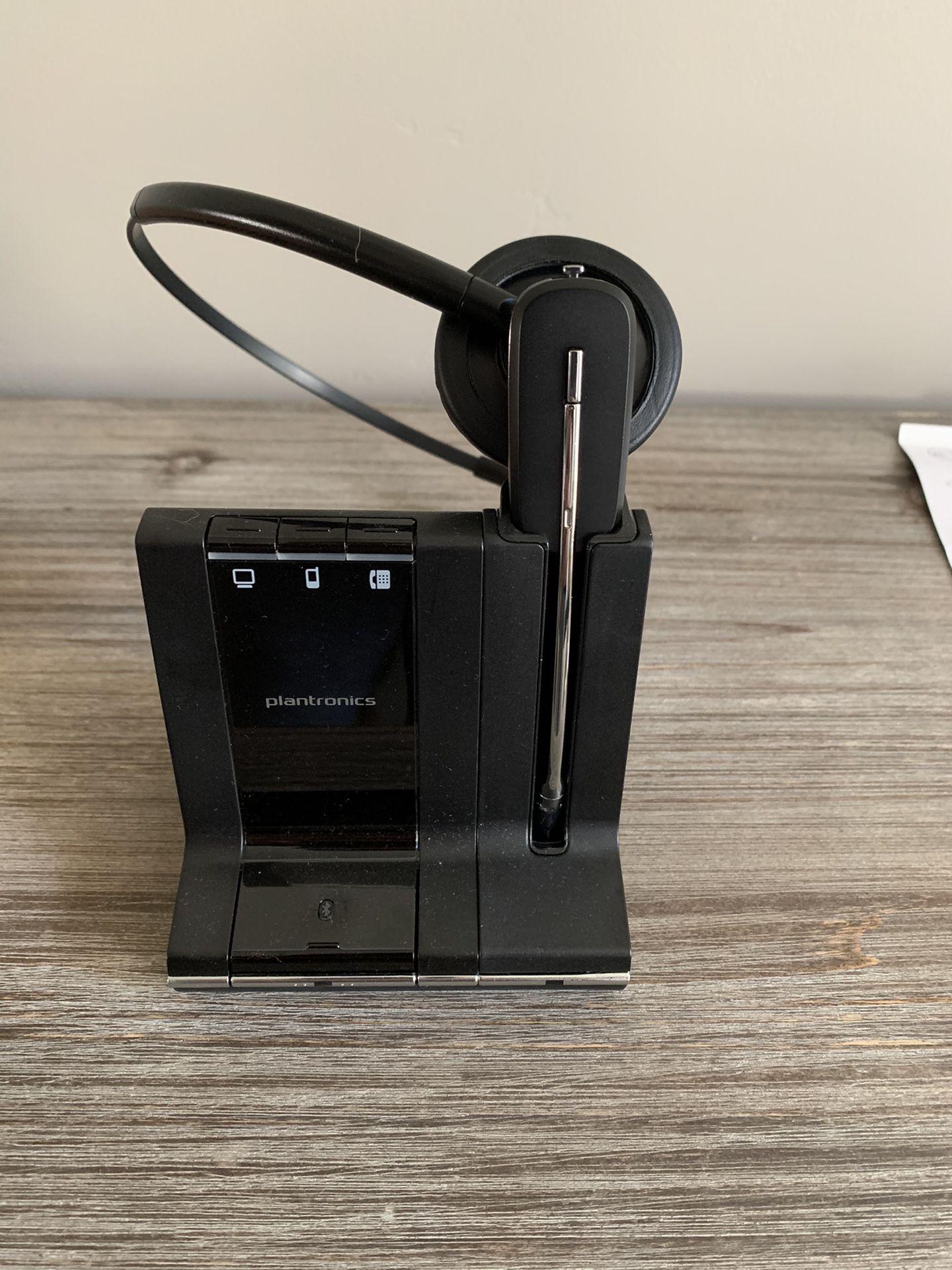 Plantronics Headset - Savi W745