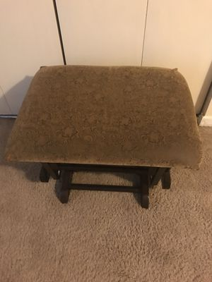 "24x16"" wood rocking foot rest check out my other listings on this page interested pm me in Gaithersburg md 20877 for Sale in Gaithersburg, MD"