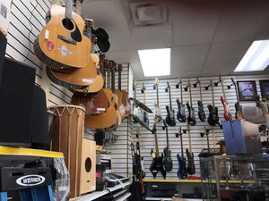 Music Blowout Sale. Strings, winds, percussion, keyboards, acoustic, electricity, New and used for Sale in Orlando, FL