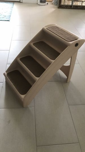 Folden pet stair step great for dogs for Sale in Orlando, FL