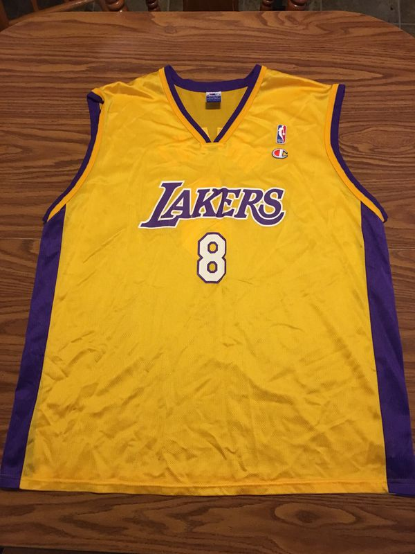 best service d611e ad9f0 Lakers Kobe Bryant Jersey #8 for Sale in Lancaster, PA - OfferUp