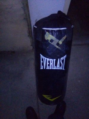 Everlast punching bag 50$ for Sale in Rialto, CA