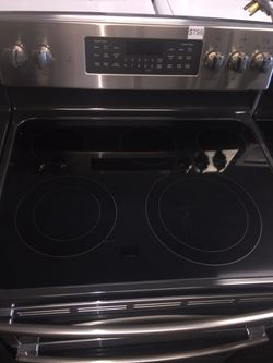 GE stainless steel electric stove double oven 6 months warranty Thumbnail
