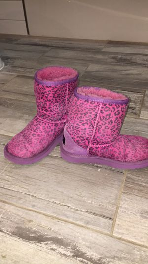 d502c4000cf New and Used Ugg boots for Sale in Flint, MI - OfferUp