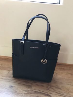 Dallas, TX · NWT MICHAEL Michael Kors Jet Set Travel Large Tote Black Leather & Gold Hardware for Sale