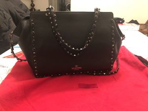 Valentino bag with dustor for Sale in Bailey's Crossroads, VA