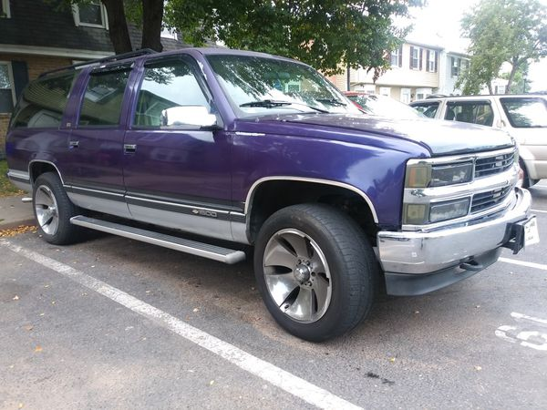 1994 Chevy Suburban 4x4 for Sale in Frederick, MD - OfferUp
