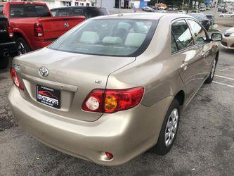 2010 Toyota Corolla Thumbnail