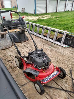 Photo Commercial snapper mower