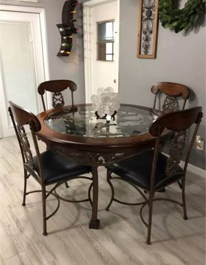 Gorgeous Ashley's furniture dining set for Sale in Clermont, FL