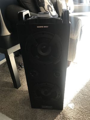 Bluetooth speaker with lights for Sale in Annandale, VA