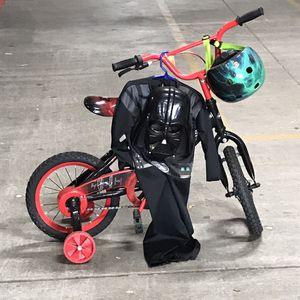 Photo Disney Darth Vader 14 inch boys bike read Black with Schwinn helmet and Darth Vader costume and mask