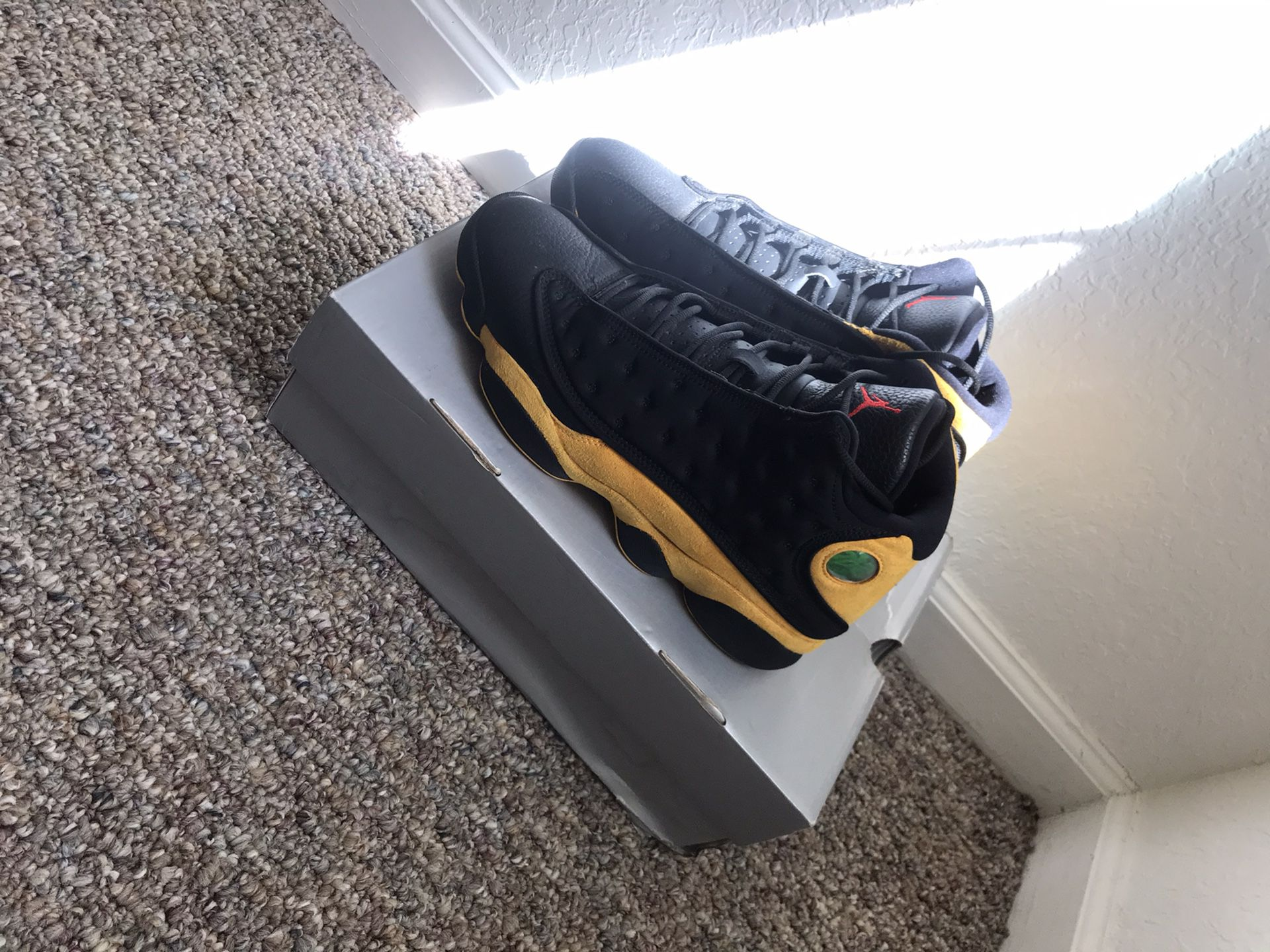 "Jordan 13 ""class of 2002"" size 9.5"