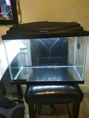 Fish tank 30 Gallon for Sale in Mount Rainier, MD