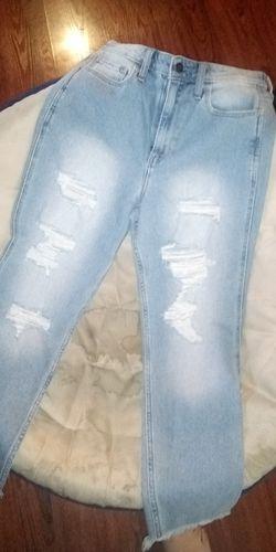 Hollister high-rise mom jeans Thumbnail