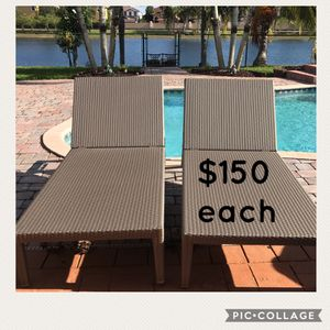 Outdoor patio chaise lounges for Sale in Miami, FL