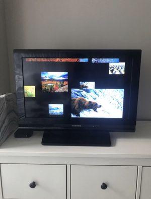 Toshiba June 2009 (non smart) TV for Sale in Arlington, VA