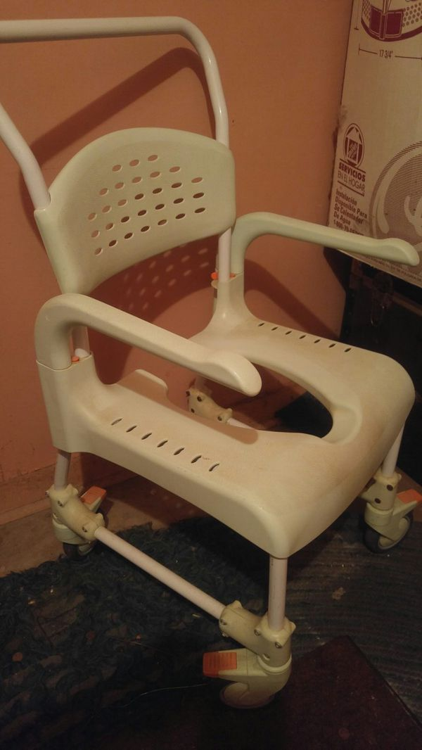 Shower chair for Sale in Los Angeles, CA - OfferUp