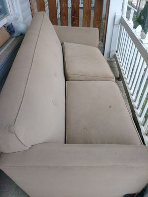 Free sofa for Sale in Obetz, OH