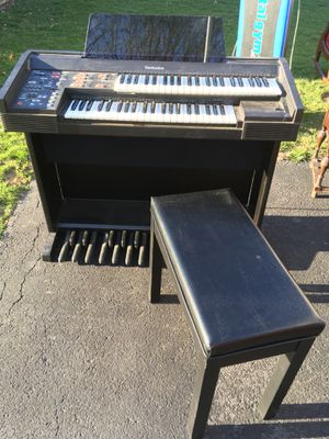 Organ pays beautifully for Sale in Lynchburg, VA