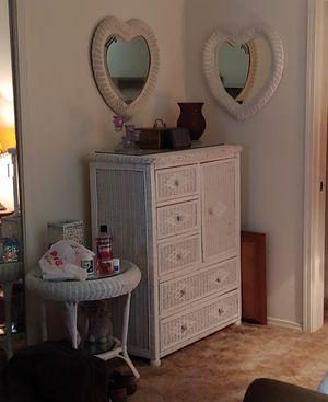 Photo White wicker furniture