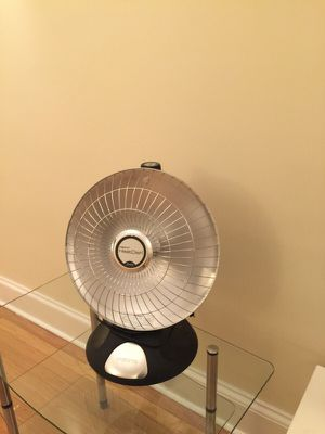 Space Heater: Presto HeatDish Plus for Sale in Baltimore, MD