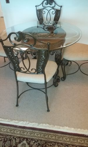 Breakfast Table with 4 Chairs for Sale in Woodbridge, VA