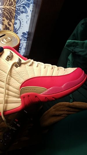 Jordan's youth size 6 1/2 for Sale in San Francisco, CA