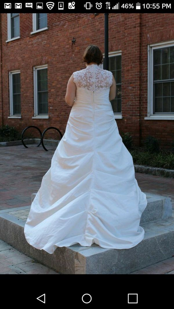 Wedding Gown Size 22 for Sale in Lawrenceville, GA - OfferUp