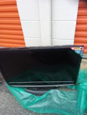 32 inches silvania tv with DVD player for Sale in Washington, DC