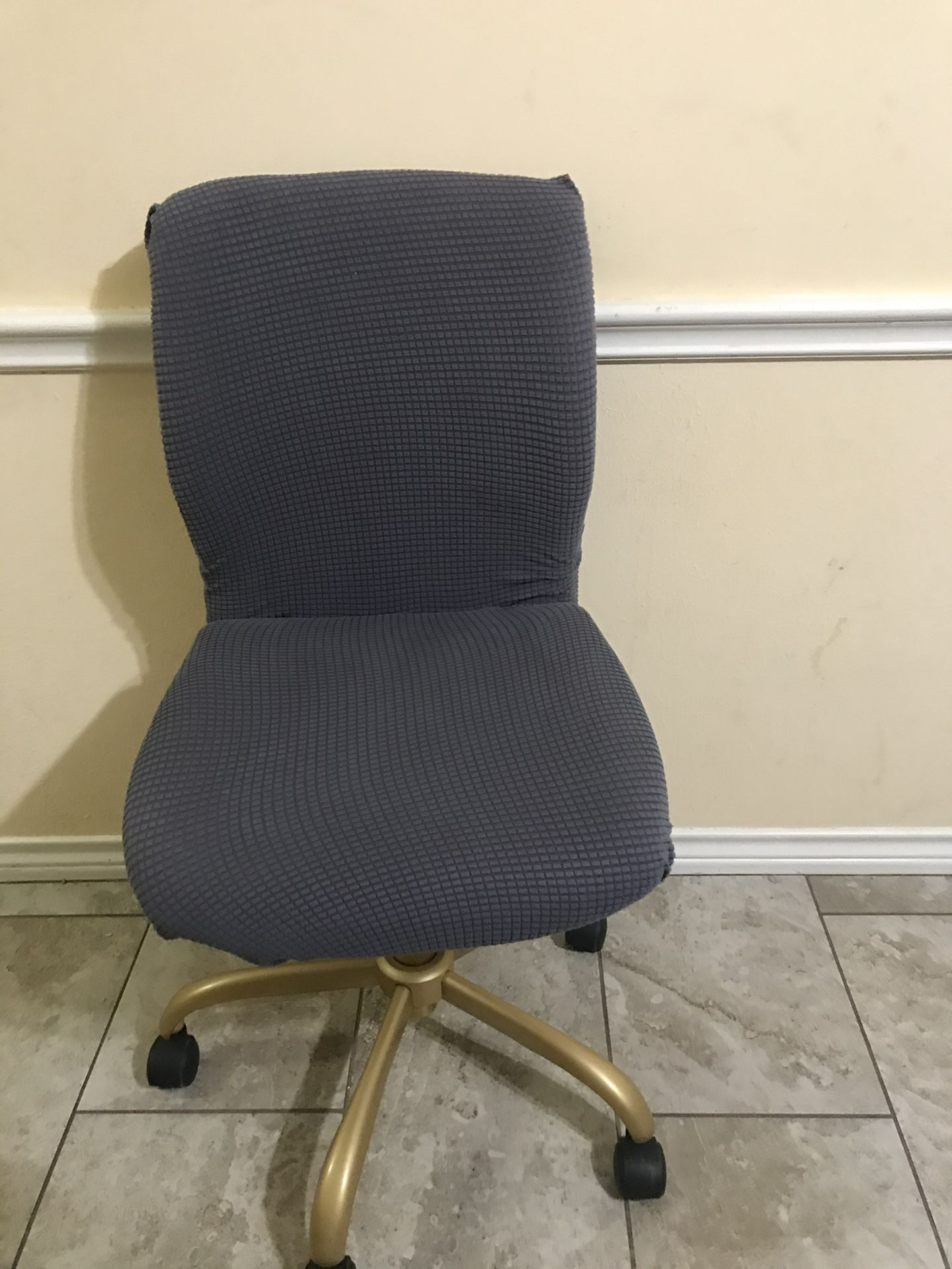 Office Chair Very Nice With Free Chair Cover