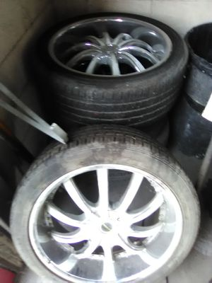 "22"" rims universal bolt pattern SUV Ford GMC etc for Sale in Temple Hills, MD"