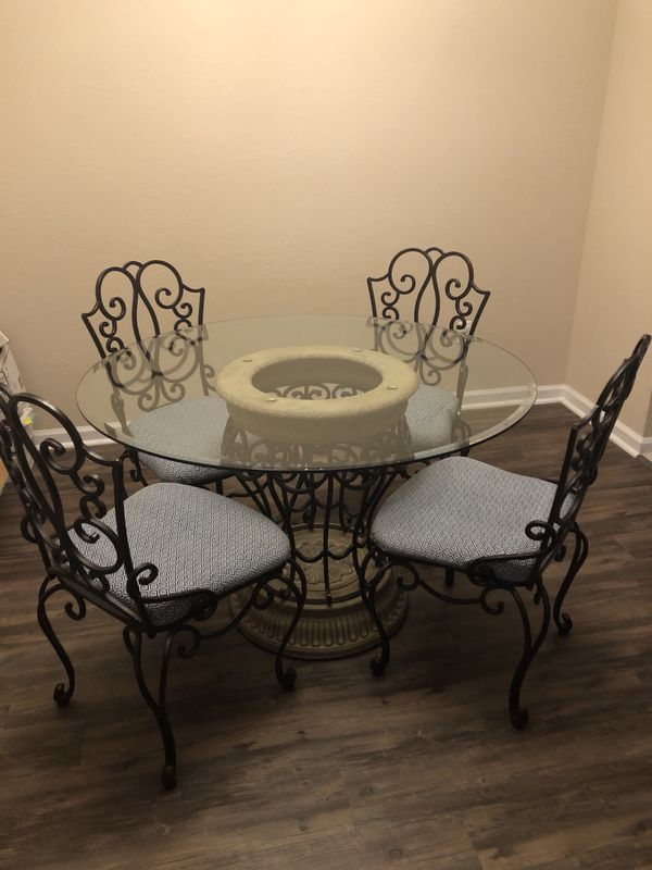 Bombay Verandah Dining Table With 4 Chairs For Sale In