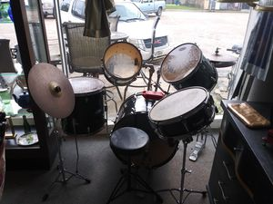Photo Starcaster by Fender Drum Set