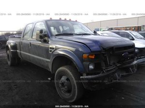 Photo 2008 Ford F-350 - v10 GAS ENGINE- 4x4 has body damage on the left two doors and in the front - runs and drives- SALVAGE TITLE