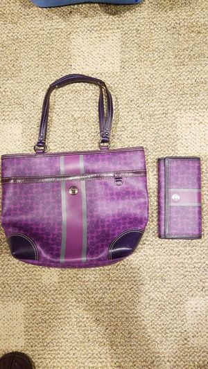 749a18c06db5 Coach leather bag and wallet for Sale in Methuen