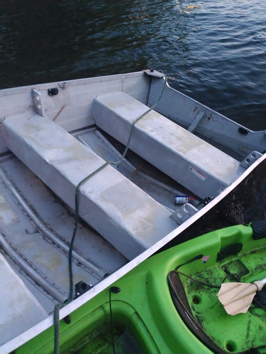 Photo Aluminum Welded Boat For Sale Dont Know Much About Itor Sale But