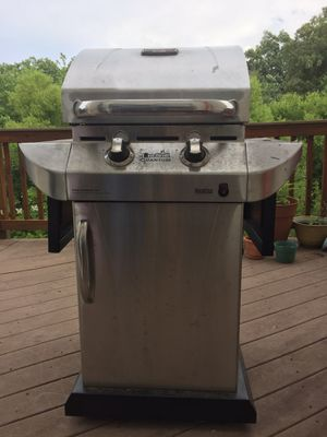 Charbroiled grill and gas tank for Sale in Herndon, VA