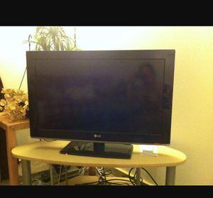 LG 32 inch tv for Sale in Austin, TX