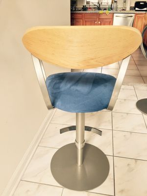 Hydraulic bar stools floor models for Sale in Menands, NY