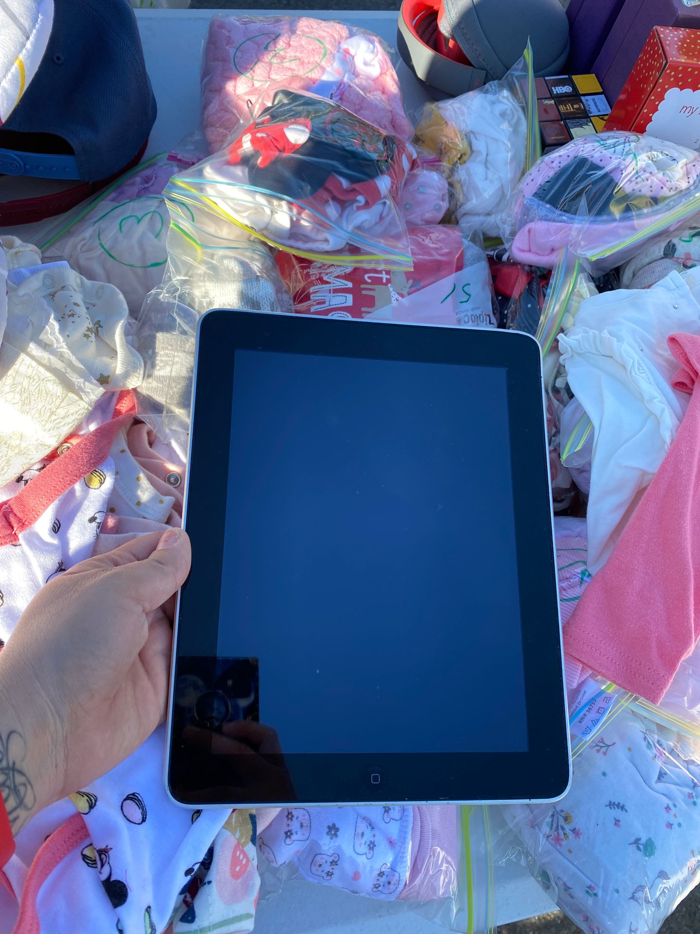 Ipad 16gb (one of the second models)