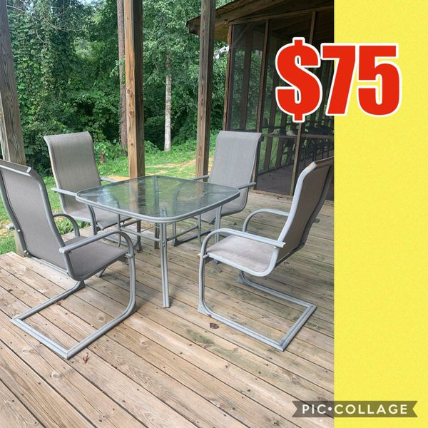 Outdoor table and chairs for Sale in Mooresville, NC - OfferUp