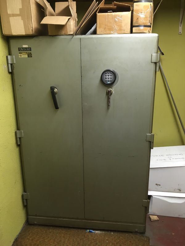 Large Safe for Sale in Westminster, CA - OfferUp
