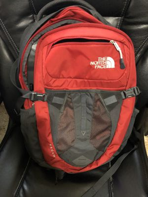 North Face Recon Backpack for Sale in Reedley, CA