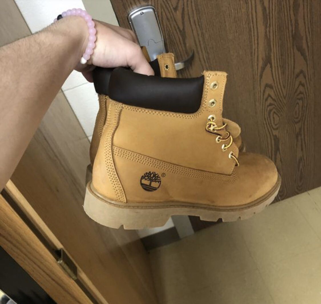 Size 9.5 Timber Butters