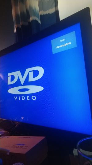 32 inch insignia tv with DVD player for Sale in Manassas, VA