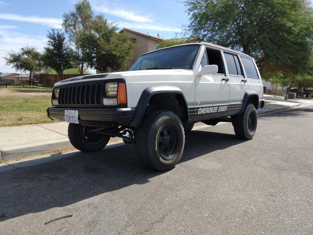 Photo 1987 Jeep Cherokee