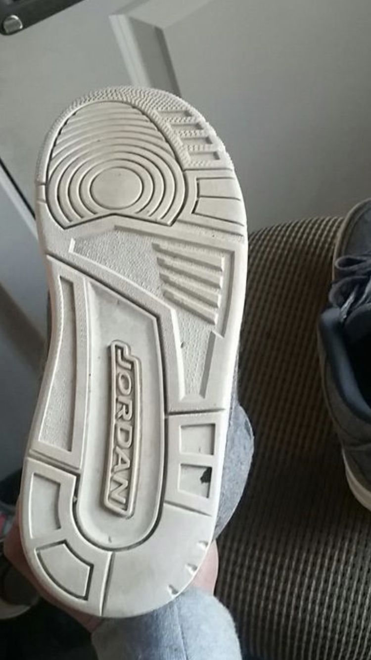 "Jordan 3 ""Wool Grey"""