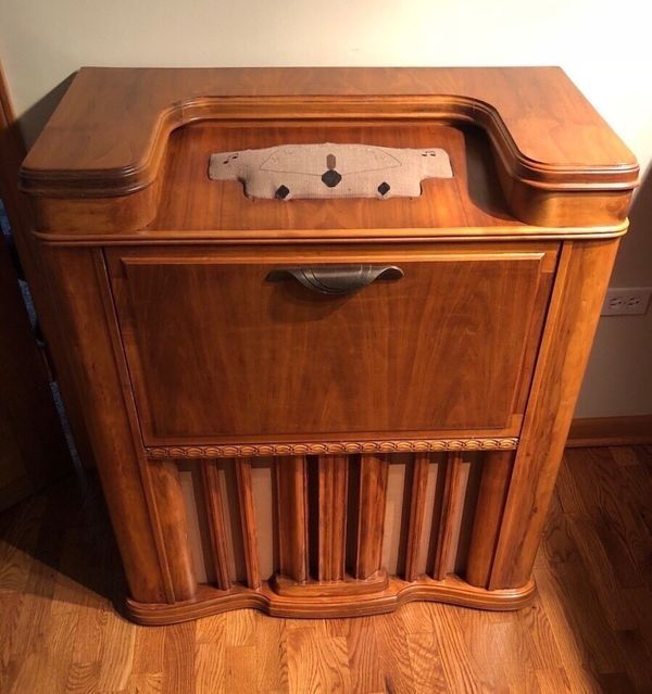 Vintage Antique Radio Cabinet- Radio and knobs removed (Antiques) in  Naperville, IL - OfferUp - Vintage Antique Radio Cabinet- Radio And Knobs Removed (Antiques) In