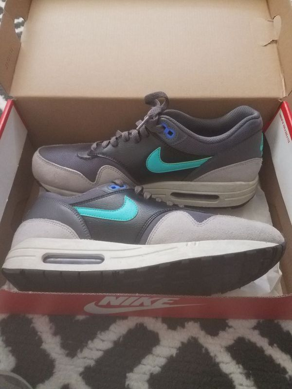 023 In Greyhyper Shoes OaklandCa Nike Essential Jadeblueblack Offerup 1 Max Women's 2 599820 Sale Item For Air NOm8nwv0